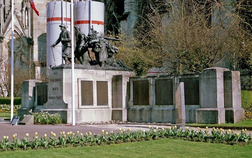 monument aux morts de ch lons en champagne marne. Black Bedroom Furniture Sets. Home Design Ideas